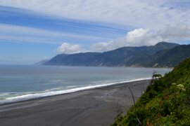 looking north from the overlook at the Black Sands Beach trailhead